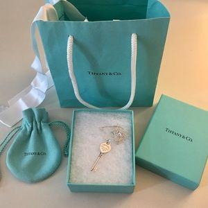 TIFFANY & CO. Return to Tiffany Heart Key Necklace